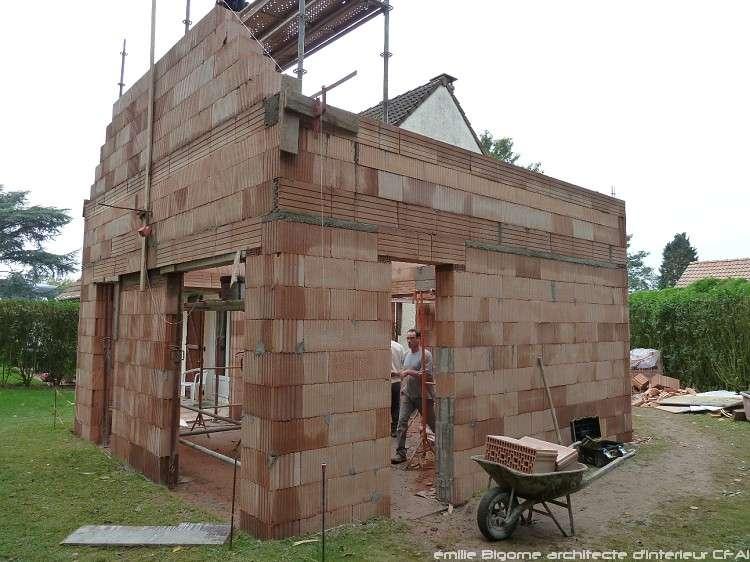 Construction du gros œuvre pour une maison particulière. © Emilie Bigorne, CC BY-NC-SA 2.0, Flickr