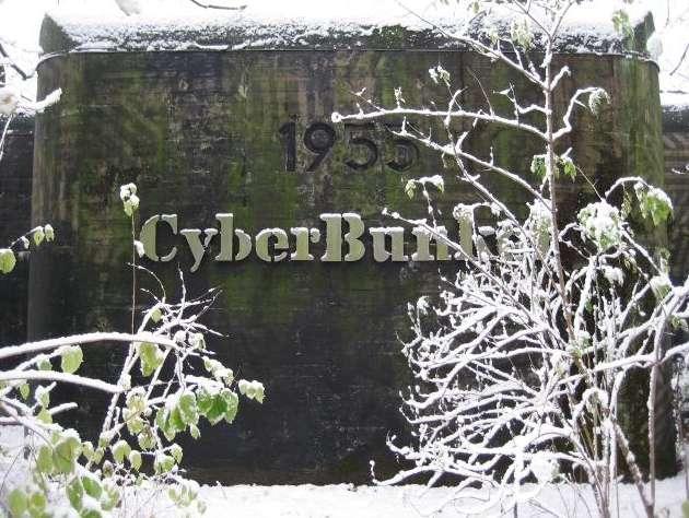 Épaulé par des cybercriminels, un surprenant hébergeur néerlandais du nom de Cyberbunker serait à l'origine des attaques DDOS concentrés sur plusieurs serveurs liés à Spamhaus. Cyberbunker porte bien son nom puisque l'hébergeur est localisé dans un ancien bunker de l'Otan, datant de la guerre froide et situé en Hollande. © Cyberbunker