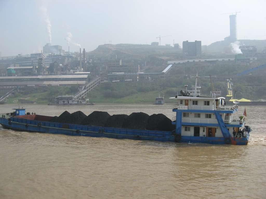 Le marché mondial du charbon a augmenté de 5 % en 2011. Heureusement, certains pays ont réduit leur consommation, à l'image des États-Unis (-4,5 %), qui ont tout de même utilisé un milliard de tonnes de ce combustible en 2011, et du Japon (-5 %). © Rose Robinson, Flickr, CC by-nc-nd 2.0