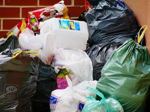 Nous produisons énormément de déchets. Le recyclage est une nécessité - Crédit : Zigazou76
