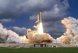 Décollage de Discovery (crédit : NASA/KSC)