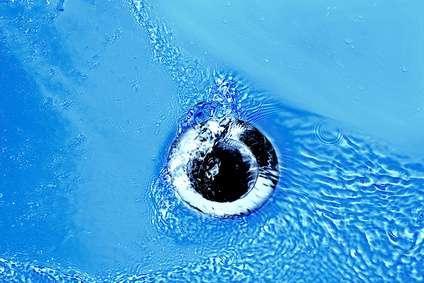 Si une canalisation est bouchée, il est possible d'utiliser un furet. © Sylvie Thenard