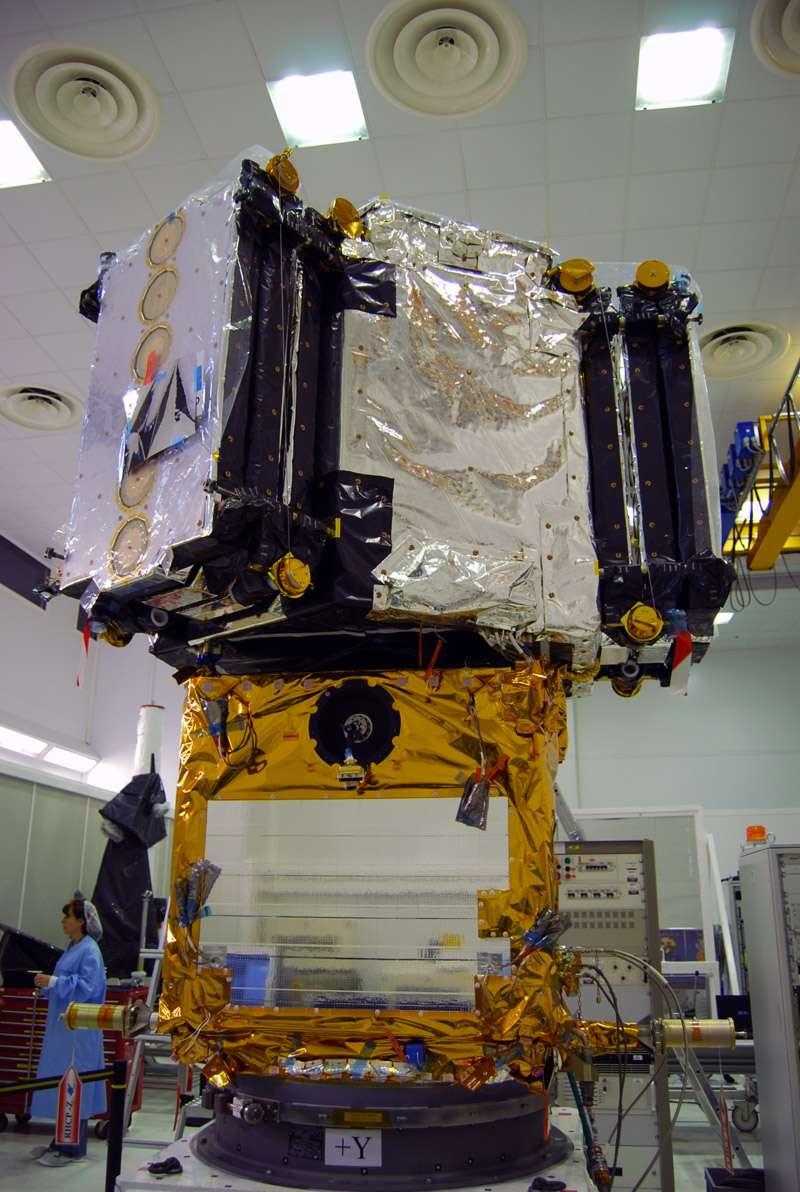 Construit par Thales Alenia Space, le satellite Smos a été lancé en novembre 2009 par un missile reconverti en lanceur Rockot. © Remy Decourt