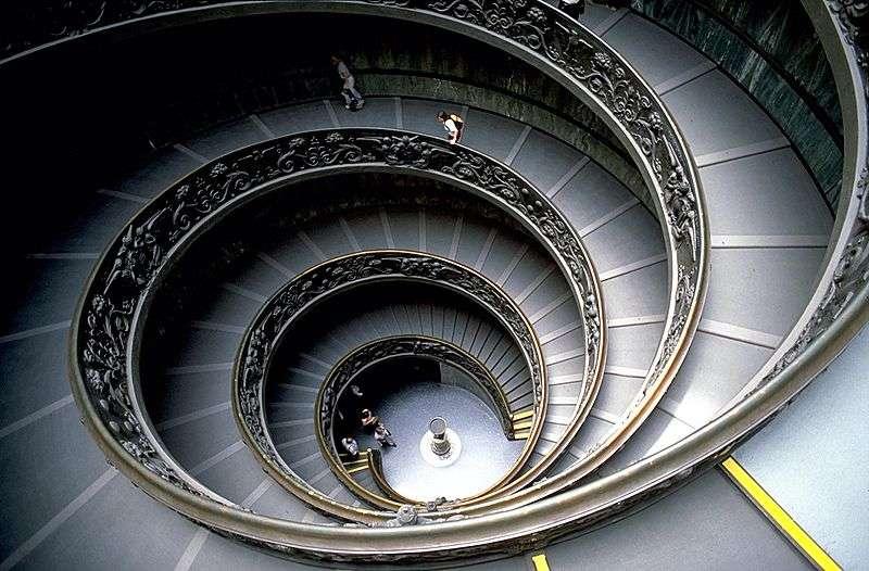 L'escalier est un ouvrage architectural qui permet d'accéder aux étages. © Andreas Tille, CC BY-SA 3.0, Wikimedia Commons