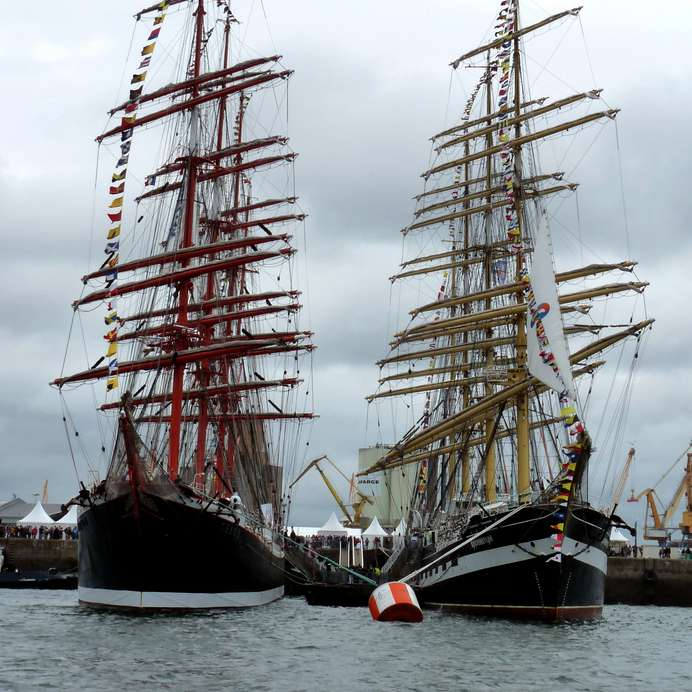 L'édition 2012 des Vieux Gréements de Brest a été rebaptisée les « Tonnerres de Brest ». © murielle29, Flickr, cc by sa 2.0