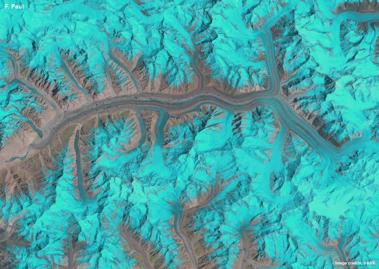 Le glacier Baltoro dans le massif Karakoram (Asie). Sept images prises au cours de ces 25 dernières années par un satellite Landsat ont été réunies dans ce montage accéléré qui ne dure que 0,7 seconde. Le gif animé est visible ici (11 Mo). © F. Paul, The Cryosphere, 2015 & USGS, Nasa