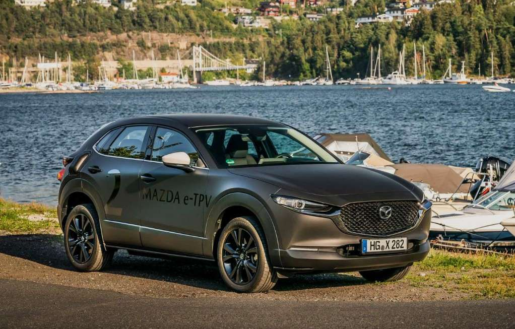 Le groupe motopropulseur de la future Mazda 100 % électrique a été testé sur le châssis du SUV CX-30, mais le constructeur assure qu'il s'agira d'un modèle totalement inédit. © Mazda