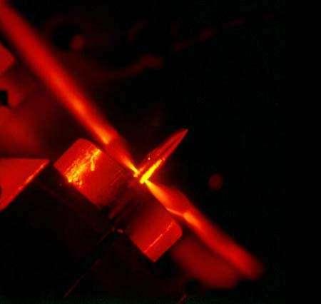 Une impulsion attoseconde produite par le dispositif des chercheurs du Max-Planck Institut für Quantenoptik. Crédit : Matthias Schnürer