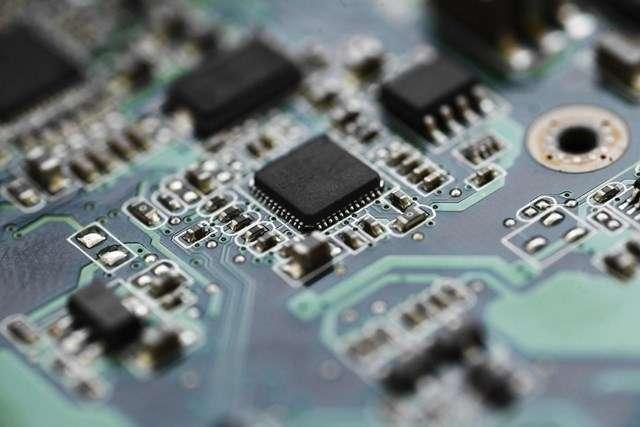 Les circuits électroniques multitâches seraient capables de se reconfigurer en temps réel pour changer de fonction selon les besoins… Nous n'y sommes pas encore, mais les progrès réalisés par l'Ecole polytechnique fédérale de Lausanne nous en rapprochent. © Thinkstock, EPFL