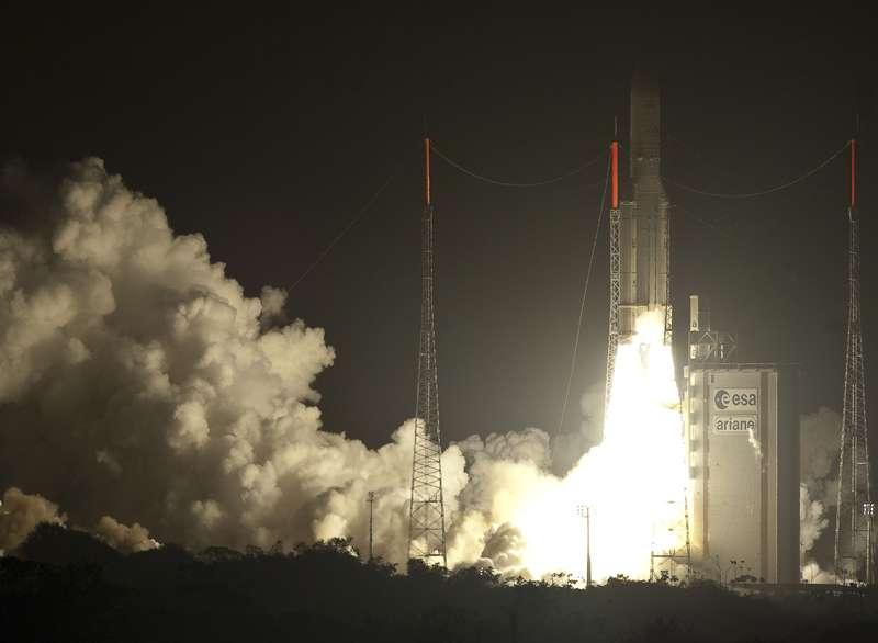 La mission V197 à l'étape décollage, le 28 octobre 2010 à 21 h 51 TU. © Arianespace