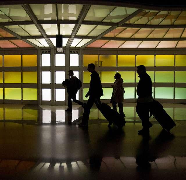 Les voyageurs ne ramènent pas que des bons souvenirs des pays lointains. Ils peuvent ainsi porter des gènes de résistance aux antibiotiques. © Nathan Rupert, Flickr, CC by-nc-nd 2.0
