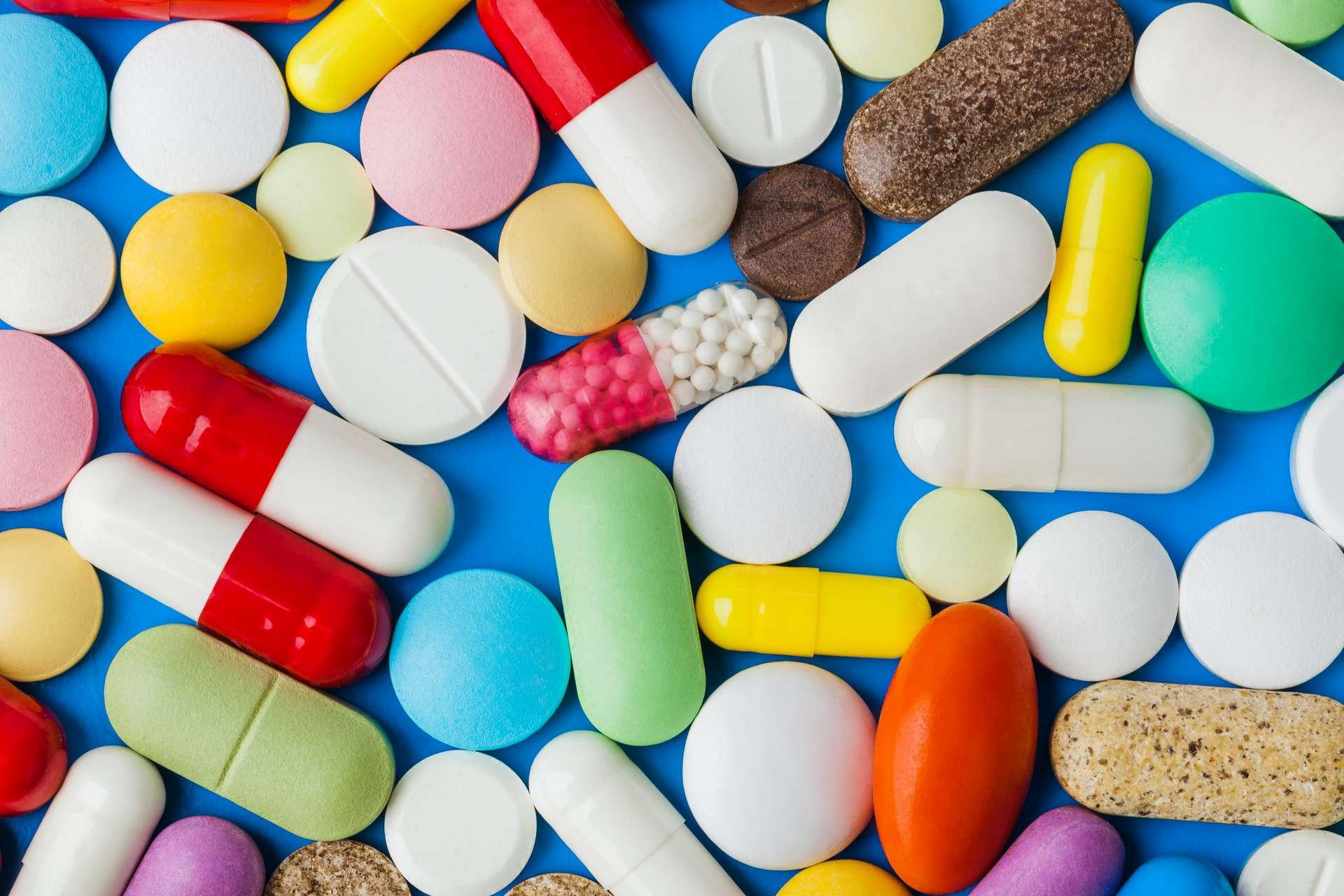 L'automédication peut-être dangereuse. Ne prenez pas de médicament sans consulter votre médecin. © Nikolai Sorokin, Adobe Stock
