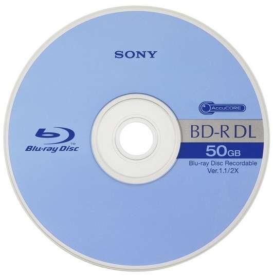 Après avoir imposé le format Blu-ray, Sony a choisi de former une alliance technique avec Panasonic pour créer un disque haute capacité de 300 Go. S'il se destine avant tout à un usage professionnel, il est assez probable qu'il serve le grand public à travers les films ultra HD ou les jeux vidéo. © Sony
