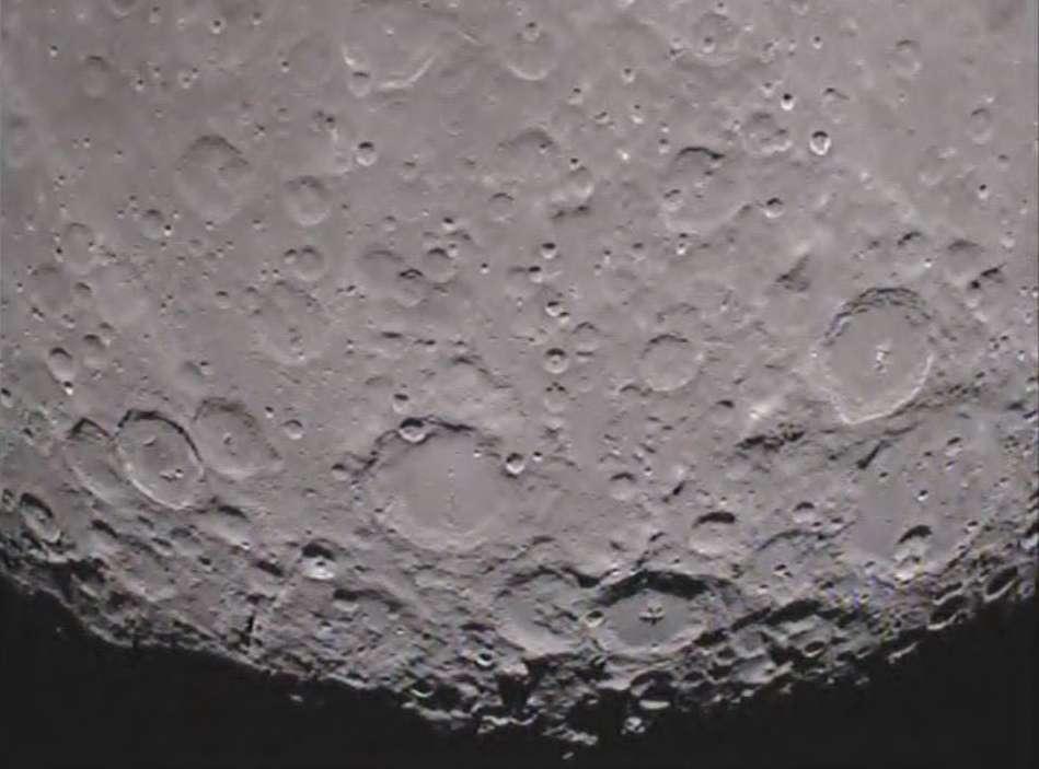 Le pôle sud de la face cachée de la Lune observé fin janvier 2012 par la sonde Ebb de la mission Grail. © Nasa/JPL-Caltech