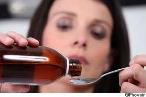 La pholcodine devrait être obligatoirement prescrite par les médecins, elle ne sera plus en libre service dans les pharmacies. © Phovoir