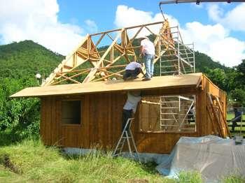 La construction en bambou est écologique et de plus en plus utilisée. © laurent Gilet, de Bambou Habitat, Wikimedia commons, GNU Free Documentation License
