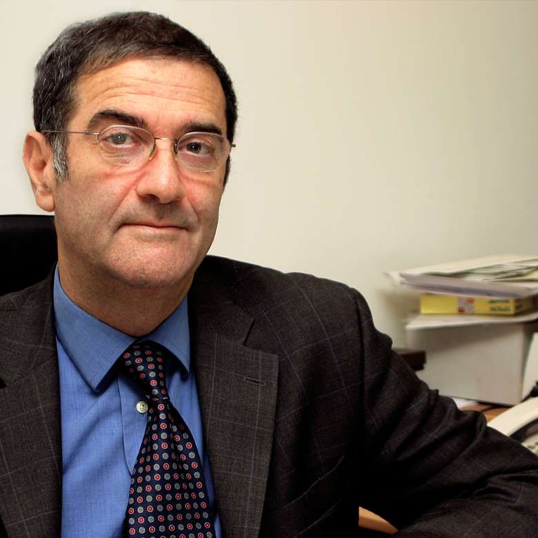 Serge Haroche, spécialiste d'optique quantique et prix Nobel de physique 2012. En 1963, après ses trois années de « prépa », il a le choix entre Polytechnique et l'École normale supérieure. Il choisit l'ENS car il veut faire de la recherche fondamentale. © Collège de France