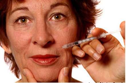 Avant de succomber à la tentation de l'injection contre les rides, renseignez-vous sur les produits utilisés. © Laurin Rinder, Fotolia