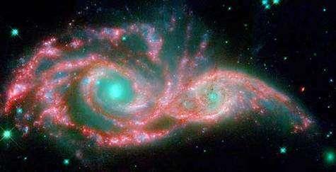 Le masque galactique formé par les galaxies NGC 2207 et IC 2163