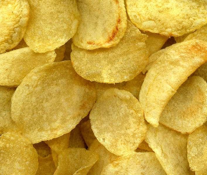 Les chips sont les championnes du taux d'acrylamide. © Wikimedia Commons