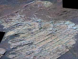 Image d'Escher en fausses couleurs obtenue à partir des données envoyées par Opportunity. (NASA/JPL/Cornell)