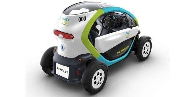 La voiture électrique, comme cette curieuse Twizy, convient bien aux déplacements urbains et au service de location de très courte durée. © Renault