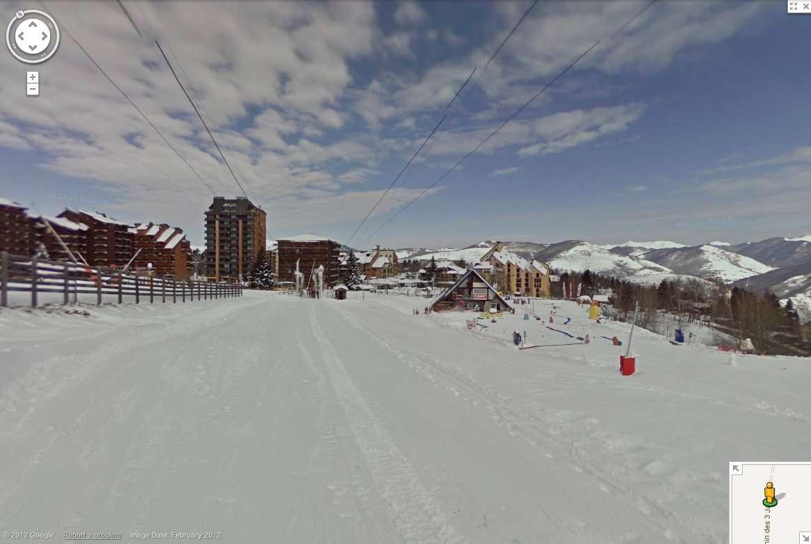Pour trouver le chemin du retour en revenant des pistes, sortez le smartphone de l'anorak. © Google Street View