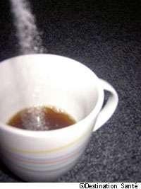 L'aspartame peut officiellement continuer à sucrer notre thé ou notre café. © Destination Santé