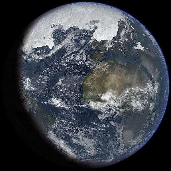 La première glaciation a eu lieu voilà 2,5 milliards d'années, mais depuis le Quarternaire, le climat oscille continuellement, alternant période glaciaire et interglaciaire. L'image est une vue d'artiste du dernier grand maximum glaciaire. © Ittiz, Wikipédia, cc by sa 3.0