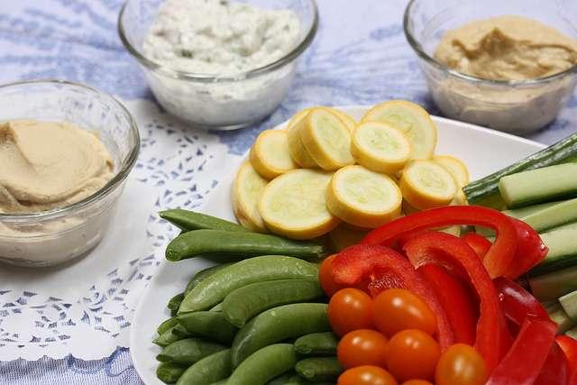 MIND s'inspire du régime méditerranéen riche en fruits, légumes, huile d'olive, céréales complètes, etc. © Meal Makeover Moms, flickr, CC by-nd 2.0