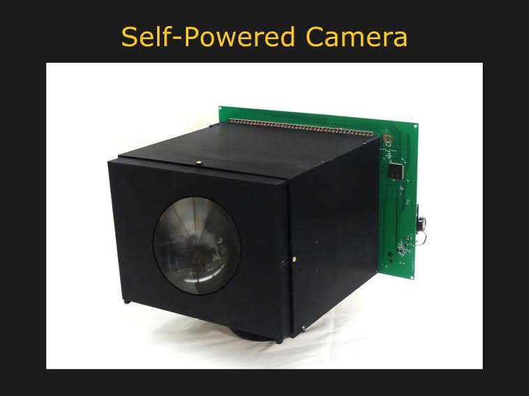 Ce prototype de caméra vidéo fabriqué à l'aide d'une imprimante 3D et de composants électroniques du marché est autoalimenté par son capteur d'images. © Computer Vision Laboratory, Columbia Engineering