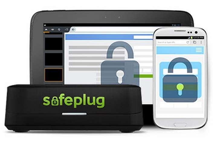 Safeplug de Pogoplug est un petit boîtier qui se branche sur la box Internet pour garantir l'anonymat de l'utilisateur lors de ses séances de surf. Pour cela, il fait office de routeur et fait transiter les données via le réseau Tor. © Pogoplug