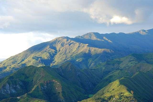 La cordillère des Andes, longue de 7.100 km et s'étendant sur 7 pays, abrite une biodiversité extrêmement riche. © Andy Hares, Flickr, cc by nc sa 2.0