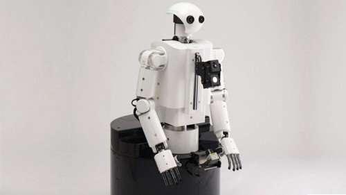 Le robot de Honda, baptisé Hearbo, peut analyser simultanément jusqu'à quatre sons différents. Le logiciel Hark développé par Honda élimine les bruits parasites des moteurs électriques du robot et traite le signal pour déterminer sa nature et sa provenance. © HRI-JP