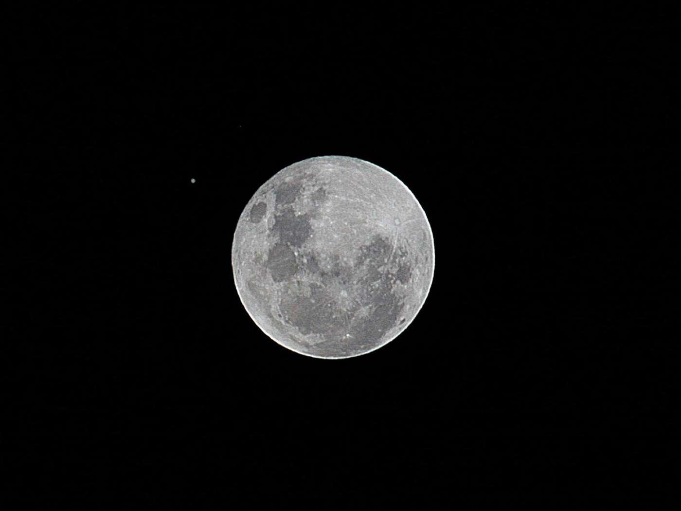 La Lune montrait Jupiter ce 28 novembre 2012. Elle fera de même le 28 de ce mois de janvier. © Luiza Whitaker