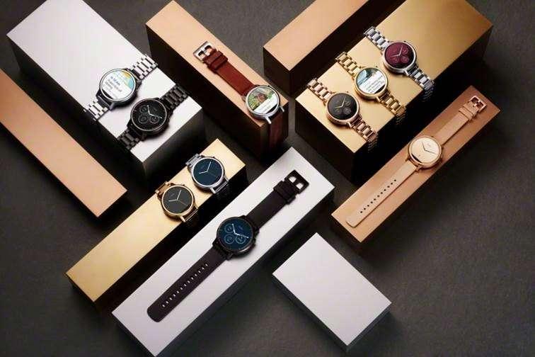 Pour la seconde génération de sa montre connectée Android Moto 360, Motorola est resté fidèle au cadran circulaire. © Motorola