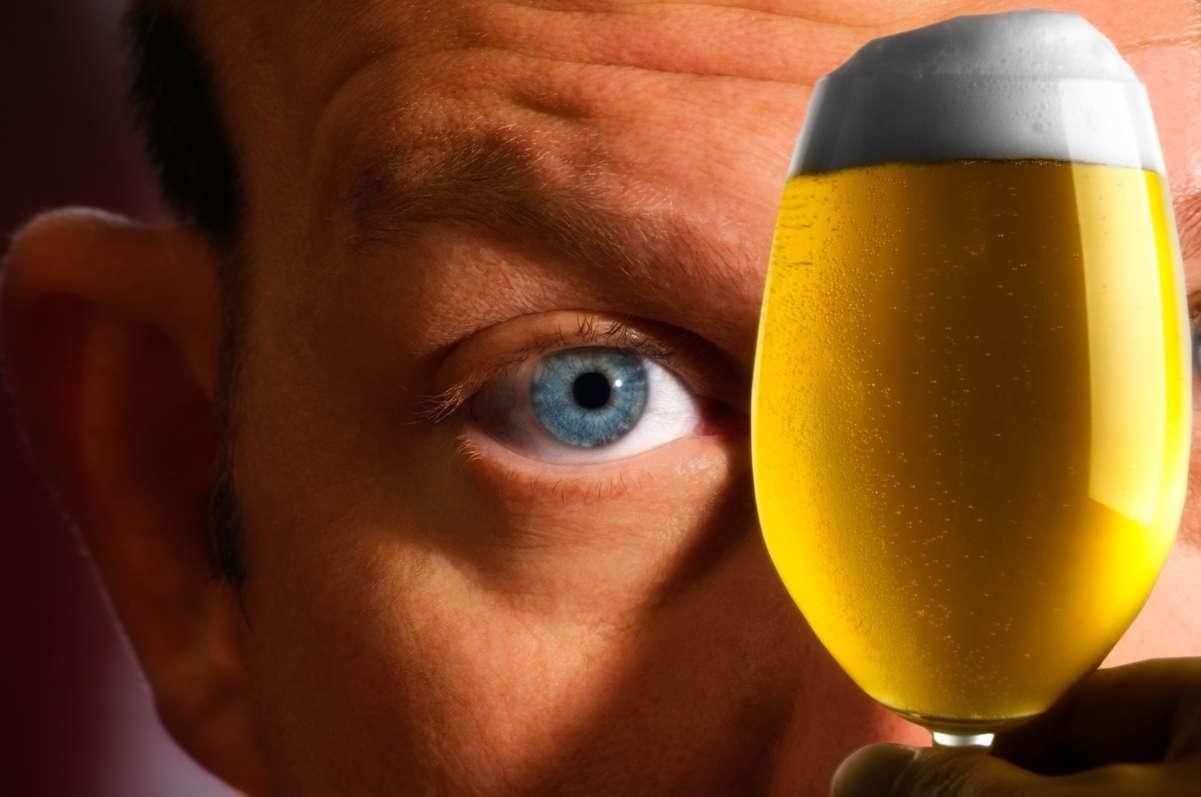 On savait l'alcool impliqué dans le vieillissement de la peau, la dégradation du système cardiovasculaire, la favorisation de différents cancers parmi les plus mortels, etc. Désormais, on a démontré son effet délétère sur le cerveau lors d'une consommation excessive à partir de 45 ans. © Reinhold68, www.stockfreeimages.com