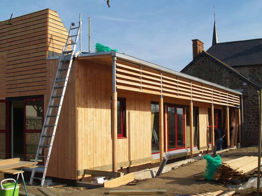 La RT 2012 stipule que les nouveaux bâtiments doivent respecter des normes précises en matière de consommation énergétique. © Michèle Turbin, CC BY-NC-SA 2.0, Flickr