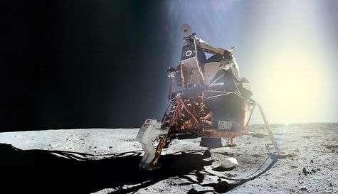 L'ouvrage LUNE revient sur les images des missions Apollo. © Images Nasa/JSC, retraitements O. de Goursac, LUNE, Tallandier, 2008
