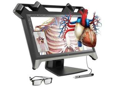 Le Zvr présenté par HP au Consumer Electronics Show est un écran 3D stéréoscopique doublé d'un système de réalité virtuelle qui permet de manipuler les images en relief avec un stylet. Ce moniteur qui s'utilise avec une paire de lunettes spéciales doit être associé à un ordinateur doté d'une configuration puissante. © HP