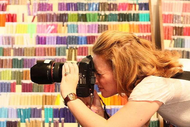 Lorsqu'on prend un objet en photo, on s'en souviendrait moins bien que si l'on se contente de l'observer, selon une étude. © rickbucich, Flickr, cc by sa 2.0