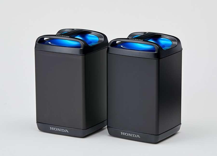 Les batteries interchangeables Honda utilisées par ses scooters électriques PCX et Benly-e. © Honda