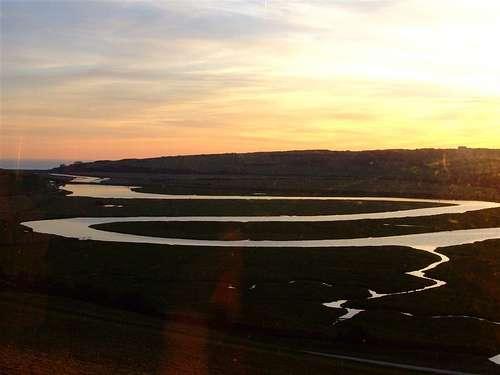 Les méandres d'une rivière près de Eastbourn. © Elsie esq. CC by