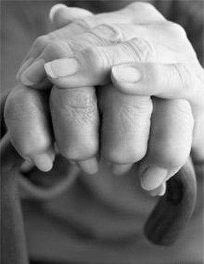 Les personnes âgées sont les plus souvent touchées par des AVC, mais elles ne sont pas les seules ! Chaque année 10.000 à 15.000 personnes de moins de 45 ans en pleine activité voient leur vie bouleversée par un AVC. © Phovoir