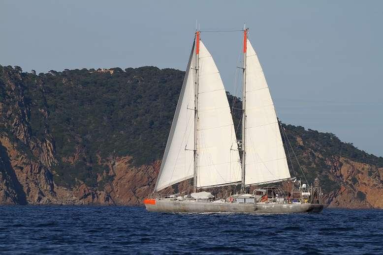 La goélette Tara est arrivée à Lorient, son port d'attache, après une étude des micro-déchets de matières plastiques en Méditerranée. © F. Latreille, Tara expéditions