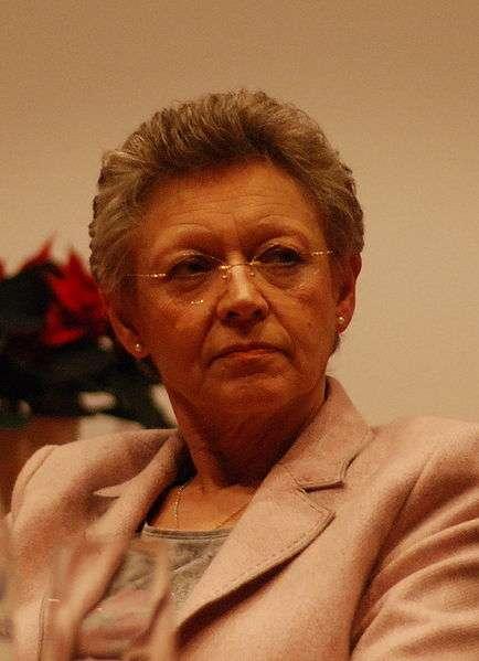 Françoise Barré-Sinouss, co-lauréate du prix Nobel de médecine 2008, avec Luc Montagnier. © Licence commons