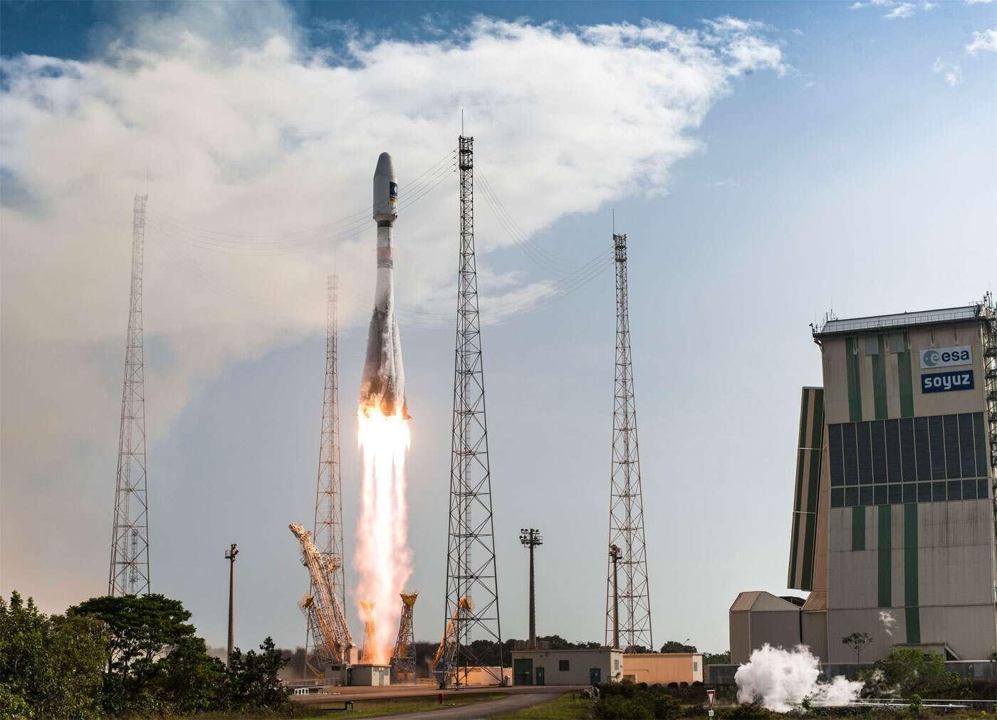 Le lanceur Soyouz au décollage, le 17 décembre 2015, avec à son bord les satellites Galileo 11 et 12. © Esa, Cnes, Arianespace, service optique CSG