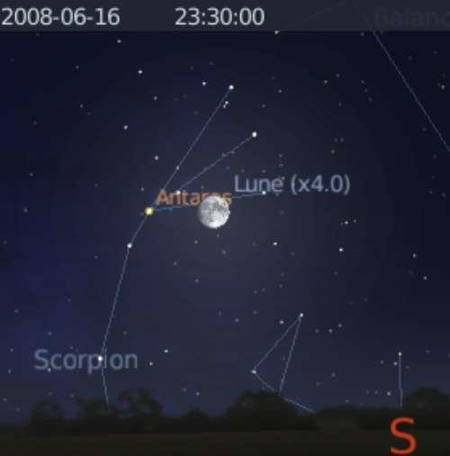 La Lune est rapprochement avec l'étoile Antarès
