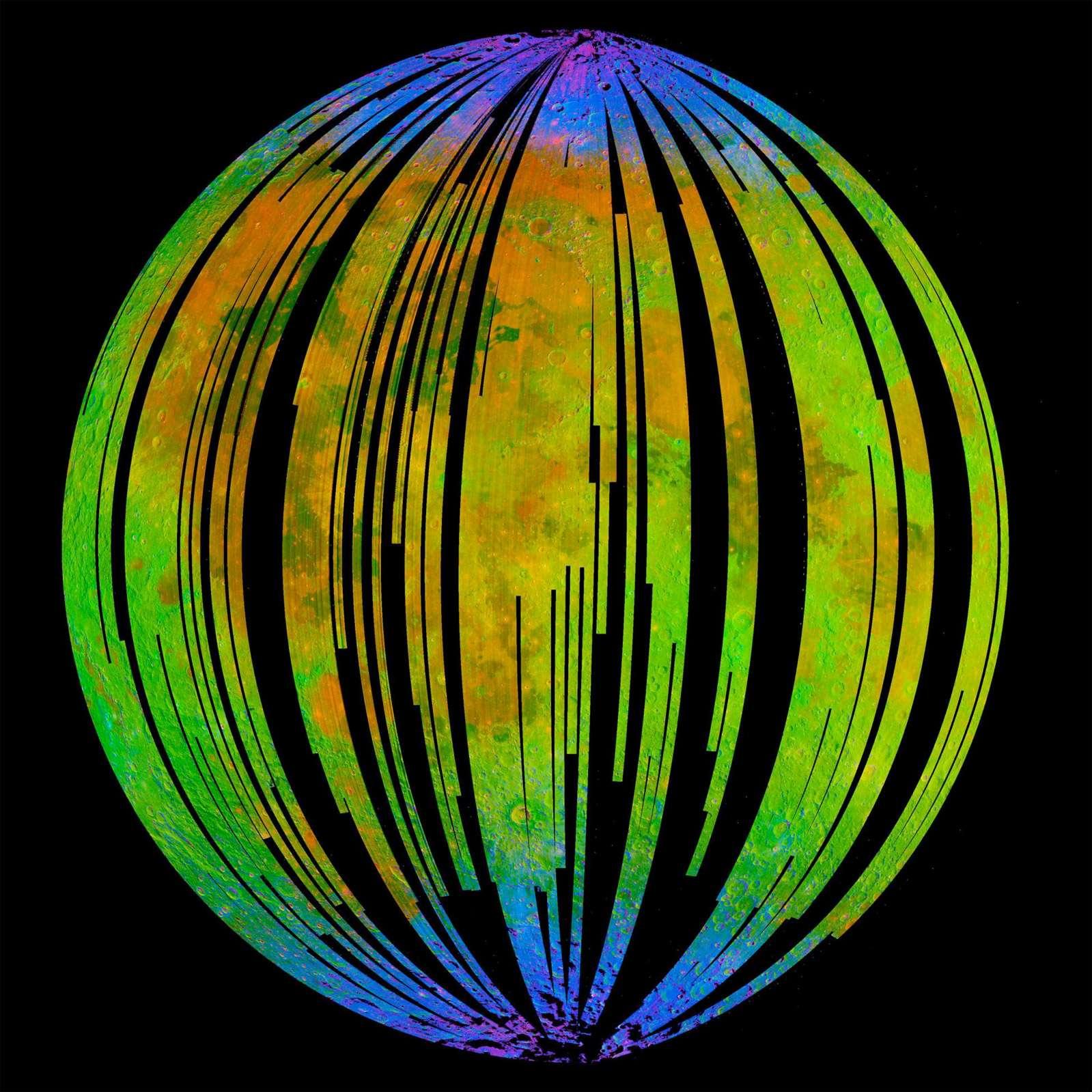 Carte de la distribution des molécules d'eau et des radicaux hydroxyle OH° (bleu) tracée à partir des données fournies par l'instrument de la NASA Moon Mineralogy Mapper embarqué sur la sonde de l'ISRO Chandrayaan-1. Crédit ISRO/NASA/JPL-Caltech/Brown Univ./USGS