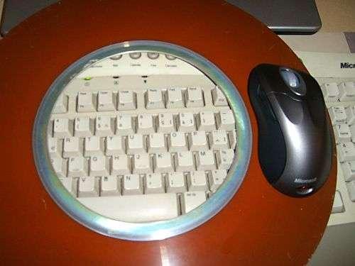 Plateau de disque dur IBM Ramdac type 1405 datant de 1950 (capacité 200 kilo-octets par face). Il ne s'agit pas d'un des premiers, mais bien du premier disque dur jamais commercialisé ! (collection auteur)